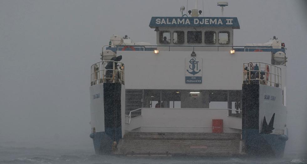 barge-mayotte-pluie